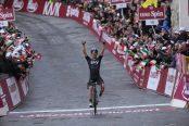 Kwiatkowski gana la Strade Bianche