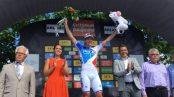 Démare en el podio de Criterium Du Dauphiné